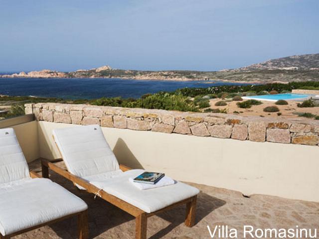 sardinie - luxe vakantiehuis aan zee met zwembad - sardinia4all (4).jpg