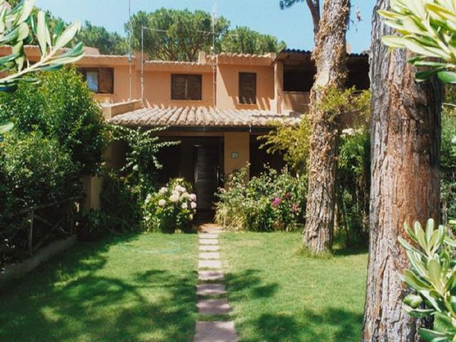 appartement sardinie aan zee - la pineta in santa margherita di pula (1).jpg