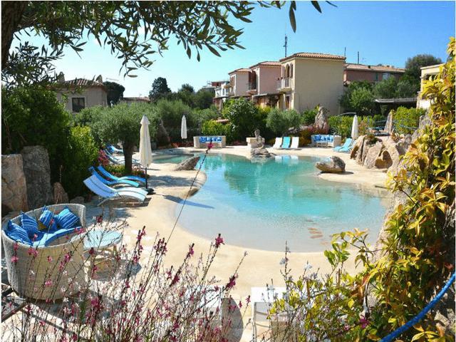 vakantiehuis sardinie aan zee en met zwembad- sardinia4all (17).jpg